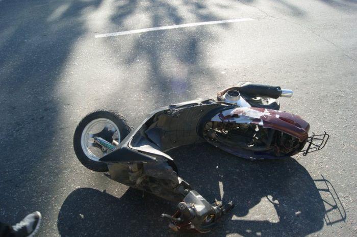 В  Мариуполе несовершеннолетний лихач на скутере влетел в «Дэу» (ФОТО), фото-6