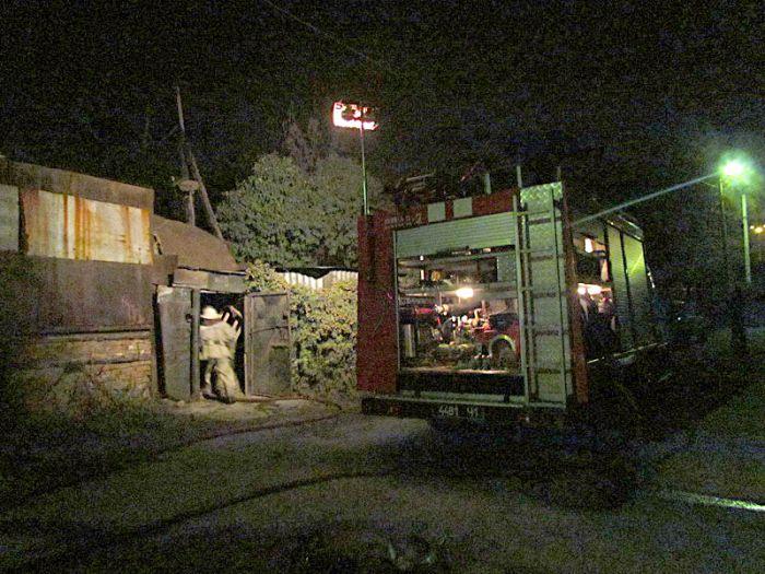 В Мариуполе горели «трущобы» (ФОТО), фото-1