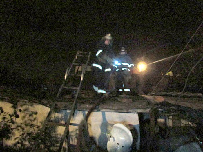 В Мариуполе горели «трущобы» (ФОТО), фото-6