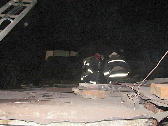 В Мариуполе горели «трущобы» (ФОТО), фото-4