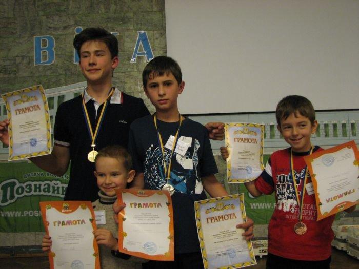Школьник из Мариуполя признан лучшим хоккейным бомбардиром (ФОТО), фото-1