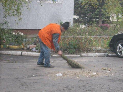 В Мариуполе на общегородском субботнике высадят полтысячи деревьев, фото-1