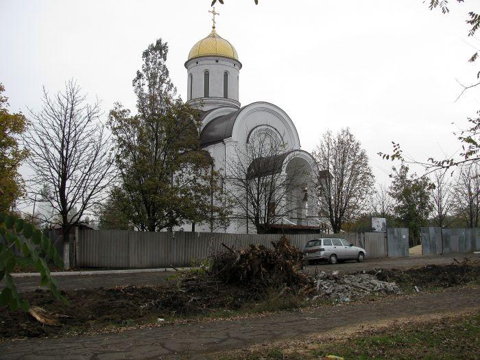 На территории храма возле горбольницы №2 вырубили деревья (ФОТО), фото-3