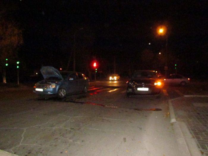 Авария на одном из самых неспокойных перекрестков в Мариуполе. Травмирована женщина (ФОТО), фото-4