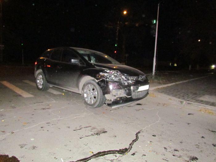 Авария на одном из самых неспокойных перекрестков в Мариуполе. Травмирована женщина (ФОТО), фото-3