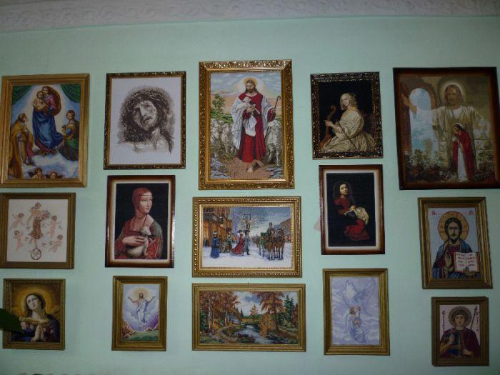 В Мариуполе открылась выставка вышитых портретов и икон (ФОТО), фото-1