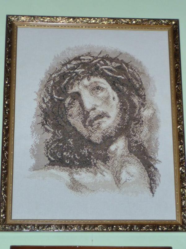 В Мариуполе открылась выставка вышитых портретов и икон (ФОТО), фото-3