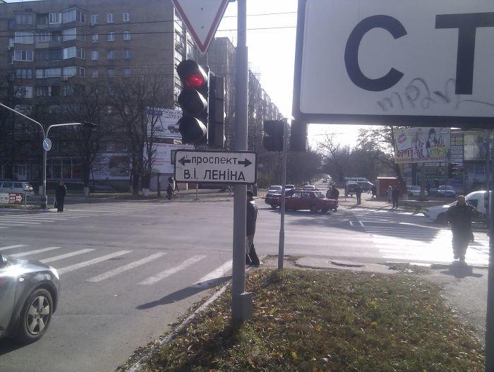 ДТП на центральном проспекте Мариуполя. «Соната» не сыгралась с «семеркой» (Фотофакт), фото-3