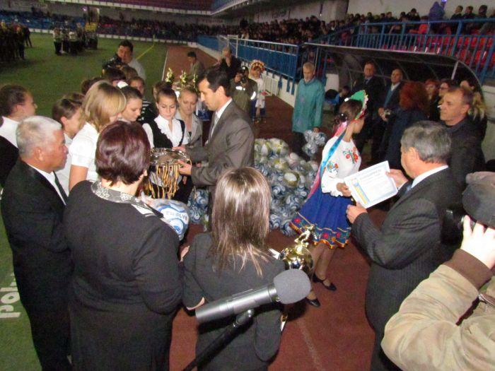 В Мариуполе наградили  лучшие школьные футбольные команды (ФОТО), фото-6