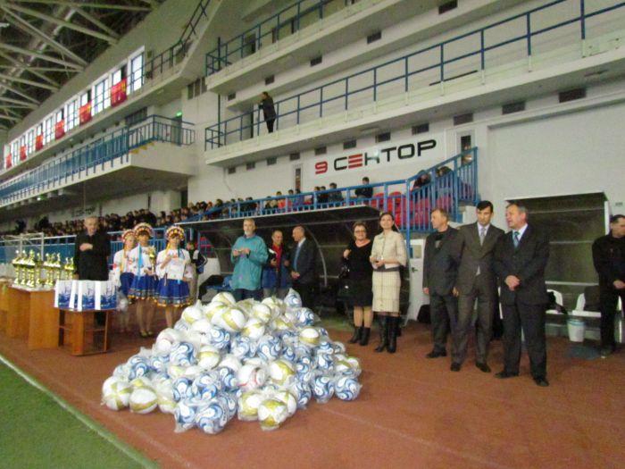 В Мариуполе наградили  лучшие школьные футбольные команды (ФОТО), фото-1