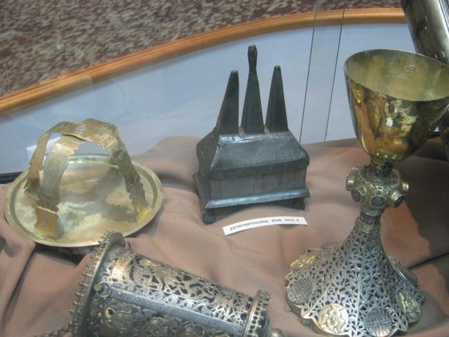 Мариупольский музей открыл свои фонды, чтобы показать ценителям православные реликвии (ФОТО), фото-2