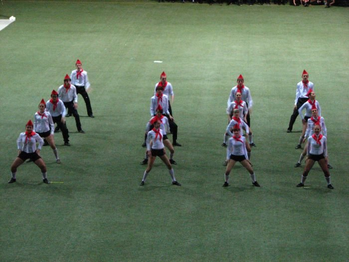 Мариупольские студенты организовали грандиозное танцевальное шоу (ФОТО), фото-19