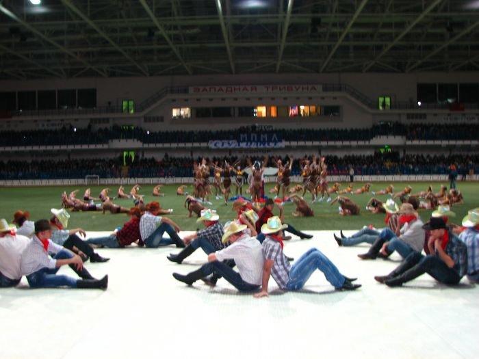 Мариупольские студенты организовали грандиозное танцевальное шоу (ФОТО), фото-10