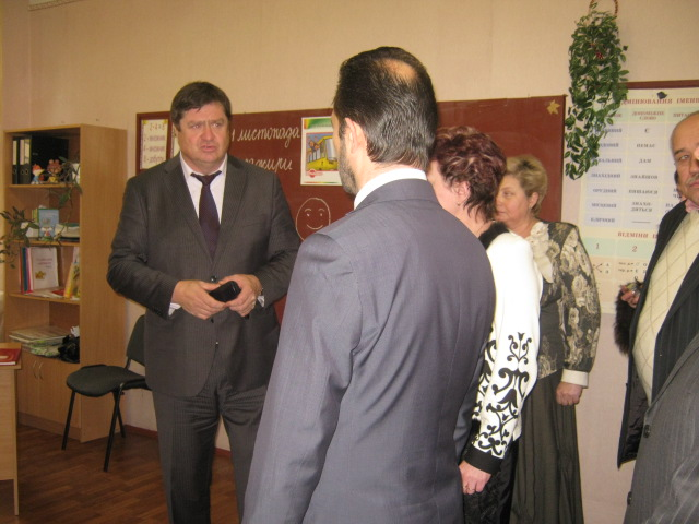 В Мариуполе школа-интернат №1 держала экзамен перед руководством области (ФОТО), фото-1