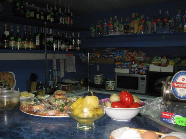 В Мариуполе проверили закусочные, которые спаивают работников комбината им. Ильича (ФОТО), фото-4