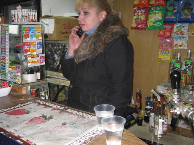 В Мариуполе проверили закусочные, которые спаивают работников комбината им. Ильича (ФОТО), фото-2