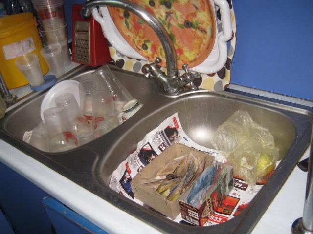В Мариуполе проверили закусочные, которые спаивают работников комбината им. Ильича (ФОТО), фото-6