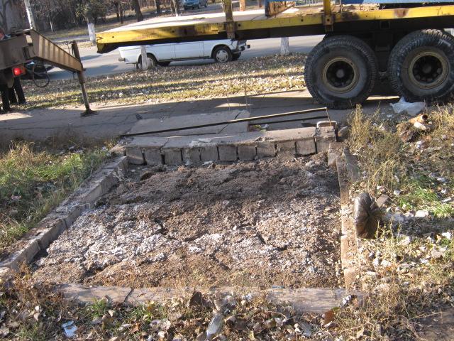В Мариуполе снесли очередной незаконный киоск (ФОТО), фото-5