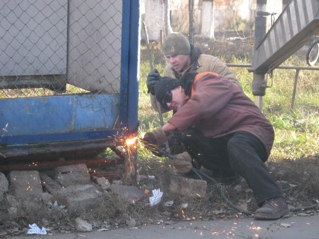 В Мариуполе снесли очередной незаконный киоск (ФОТО), фото-2