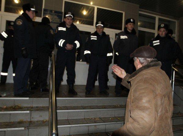 В Донецке силовики разгромили палаточный лагерь чернобыльцев. Погиб человек! (ФОТО), фото-2