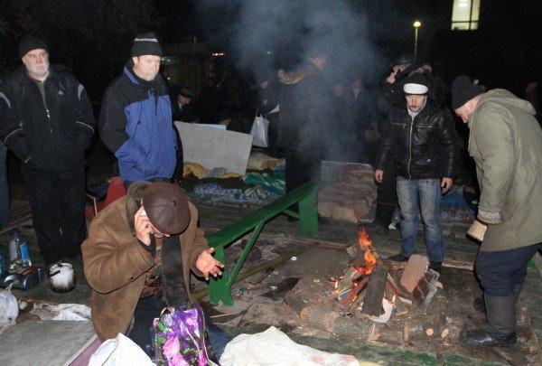 В Донецке силовики разгромили палаточный лагерь чернобыльцев. Погиб человек! (ФОТО), фото-6