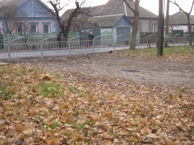 В Мариуполе  жителей микрорайона «Черемушки»  лишили бесплатной парковки (Фотофакт), фото-1