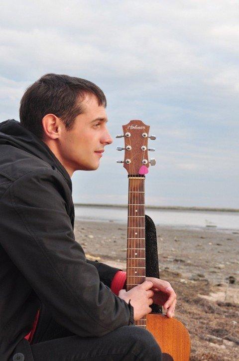 Мариупольский автор и исполнитель Дмитрий Казанцев записал альбом на киевской студии (Аудио), фото-1