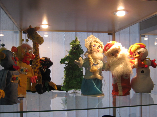 Самодеятельные художники и  народные умельцы «завалят» Мариуполь рождественскими подарками (ФОТО), фото-4