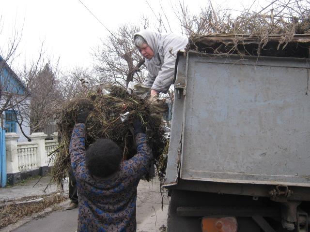 Коммунальные службы «причесывают» Мариуполь к Рождеству (ФОТО), фото-5