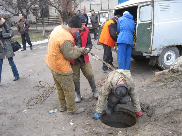 В Мариуполе прогнившие канализационные трубы ищет робот (ФОТО), фото-4