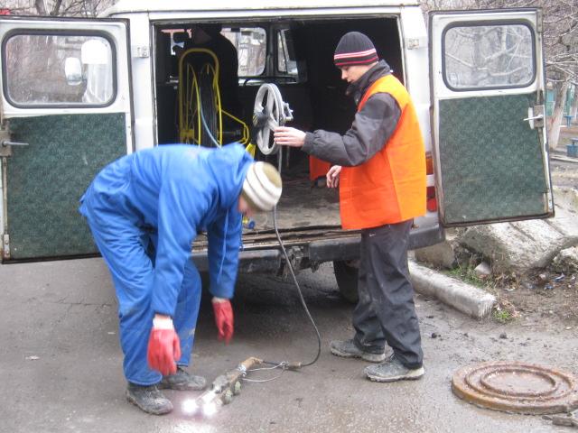 В Мариуполе прогнившие канализационные трубы ищет робот (ФОТО), фото-1