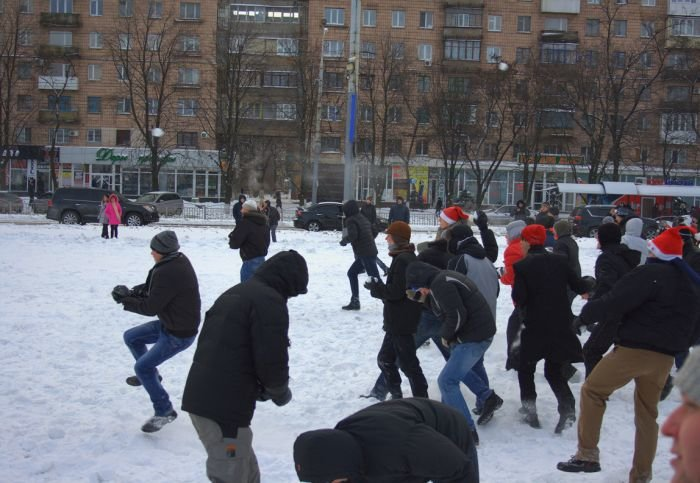 В Мариуполе состоялась снежная битва. Обошлось без жертв (ФОТО), фото-6