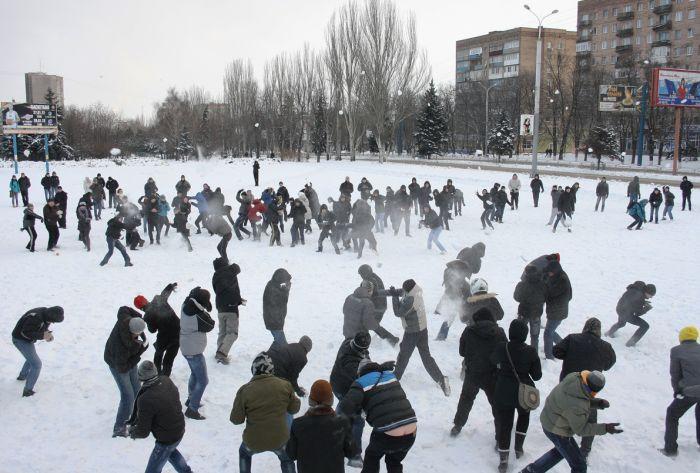 В Мариуполе состоялась снежная битва. Обошлось без жертв (ФОТО), фото-8