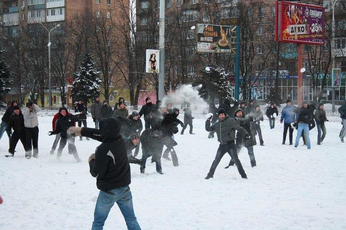 В Мариуполе состоялась снежная битва. Обошлось без жертв (ФОТО), фото-5