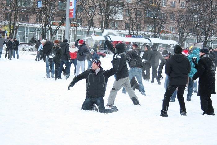В Мариуполе состоялась снежная битва. Обошлось без жертв (ФОТО), фото-14