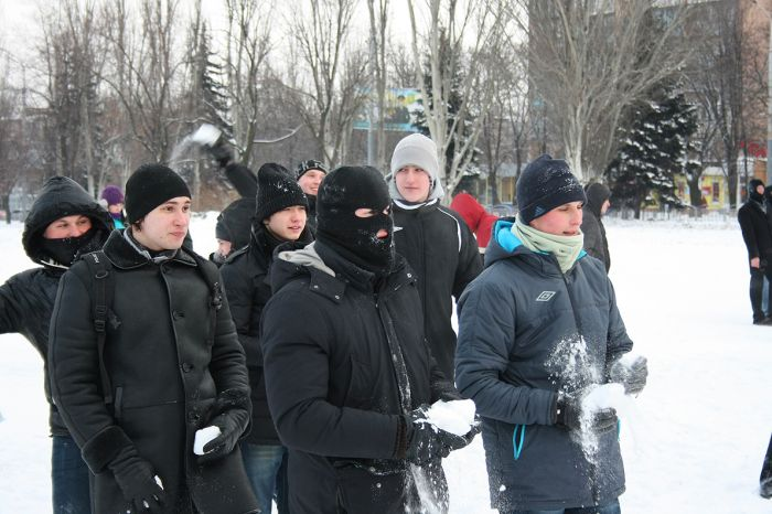 В Мариуполе состоялась снежная битва. Обошлось без жертв (ФОТО), фото-13
