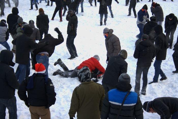В Мариуполе состоялась снежная битва. Обошлось без жертв (ФОТО), фото-16