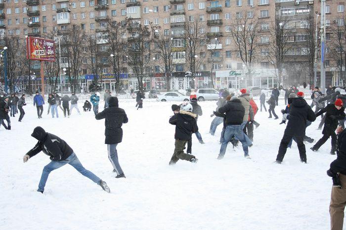 В Мариуполе состоялась снежная битва. Обошлось без жертв (ФОТО), фото-4