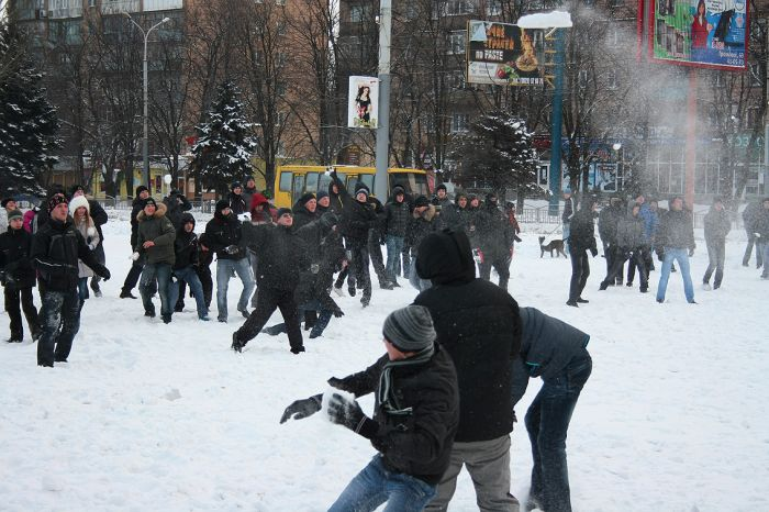 В Мариуполе состоялась снежная битва. Обошлось без жертв (ФОТО), фото-2