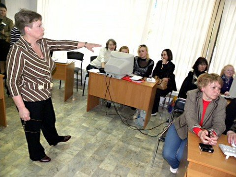 В Мариуполе  библиотекари осваивают  web-дизайн (ФОТО), фото-1