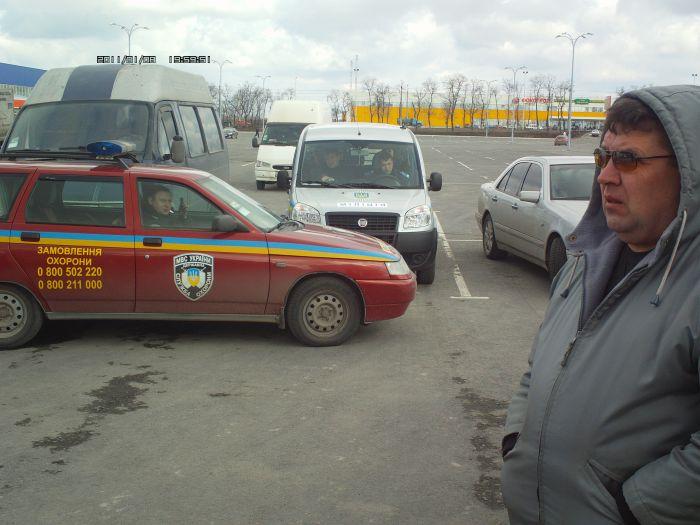В войну между строительным супермаркетом и частными перевозчиками вмешалась милиция (ФОТО+ВИДЕО), фото-3