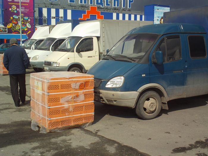 В войну между строительным супермаркетом и частными перевозчиками вмешалась милиция (ФОТО+ВИДЕО), фото-2