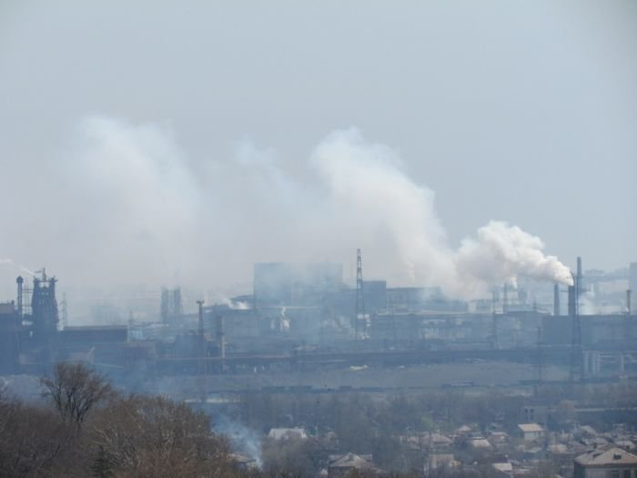 На сутки Мариуполь накроет смог - прогнозируют НМУ 2-й степени, фото-1
