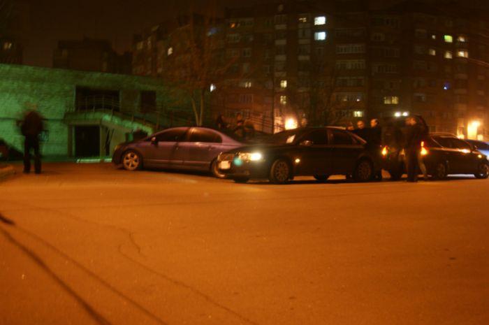 Мариуполец попал под колеса прямо на автостоянке (ФОТО), фото-1