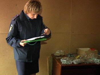 В Мариуполе милиция закрыла сомнительные табачные киоски (ФОТО), фото-6