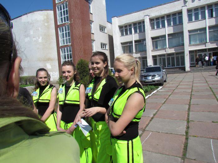 Мариупольские школьники показали, что могут быть похожими на инспекторов ГАИ (ФОТО), фото-4