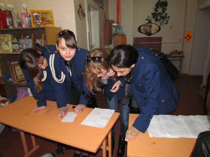 Мариупольские школьники показали, что могут быть похожими на инспекторов ГАИ (ФОТО), фото-3