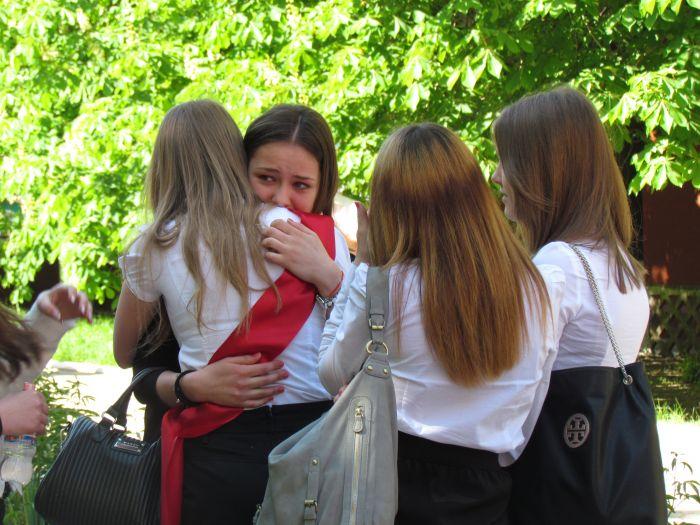 Мариупольские 11-классники попрощались со школой (ФОТО), фото-3