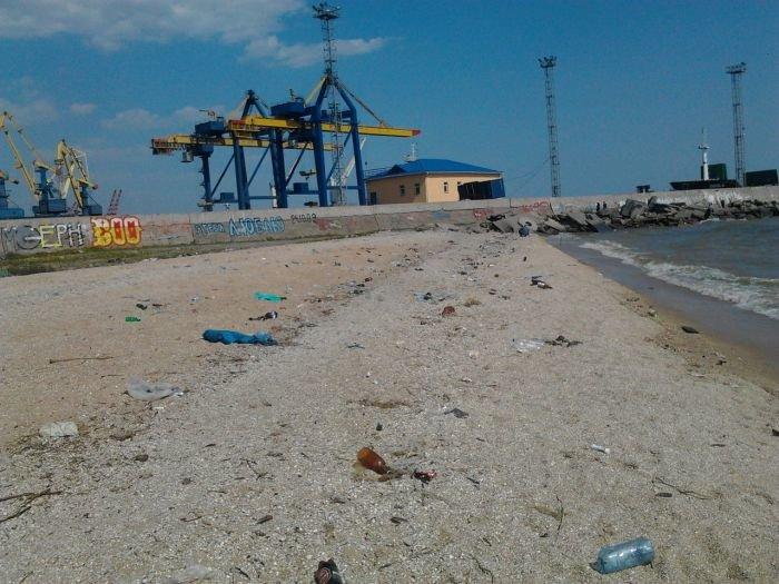В Мариуполе прибрежная зона утопает в мусоре (ФОТО), фото-2