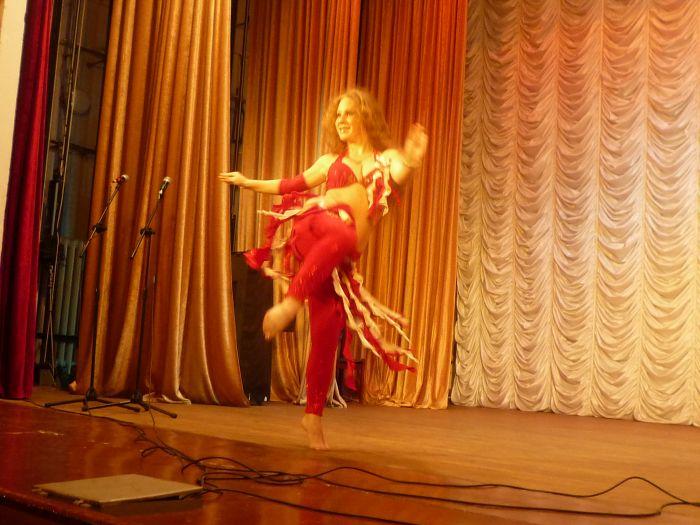 В Мариуполе малышей из многодетных семей развлекали песнями, танцами и трюками (ФОТО), фото-6